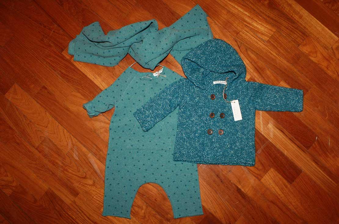 Set regalo per neonato, composto da tutina, maglioncino e copertina firmato Bebe & Tess