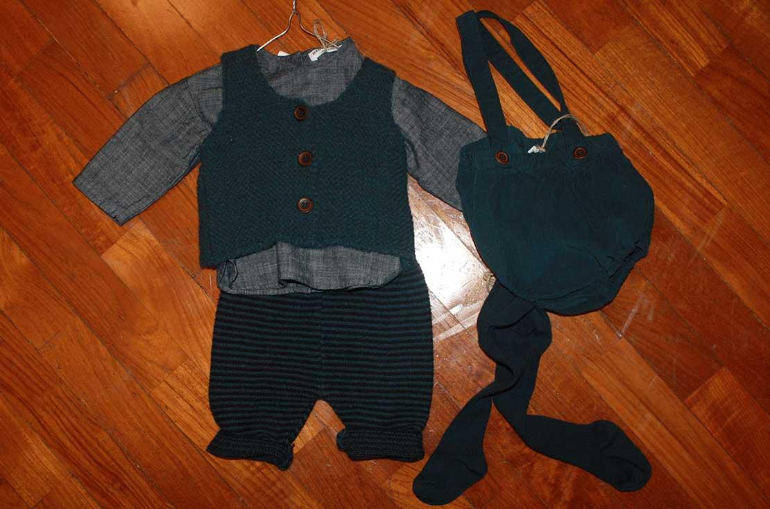 Completo per bebé firmato Bebe & Tess, pantalone, camicia, gilet e culotte con bretelle