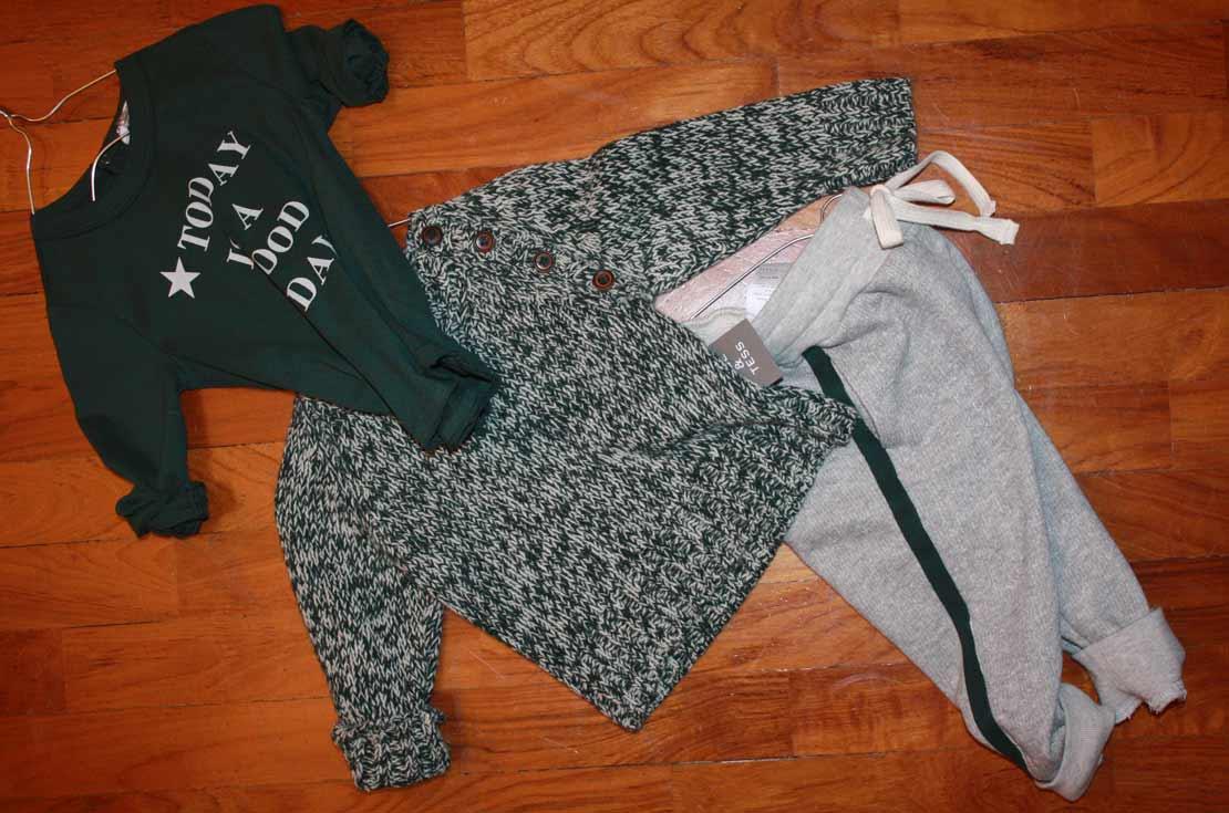 Outfit sportivo bebé firmato Bebe & Tess t-shirt, pantalone tuta e maglia in lana old style